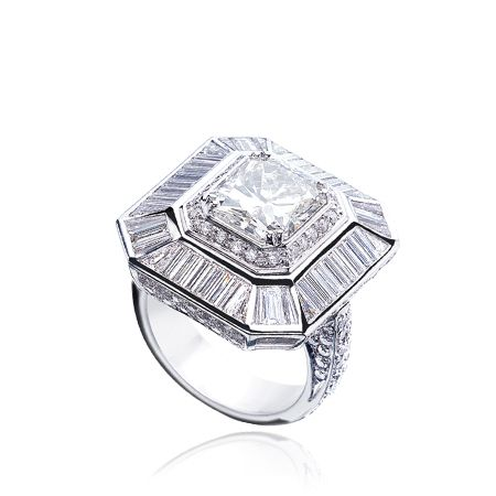 l_6003_ring white pag03 web